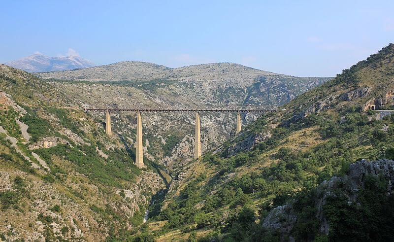 tog til montenegro